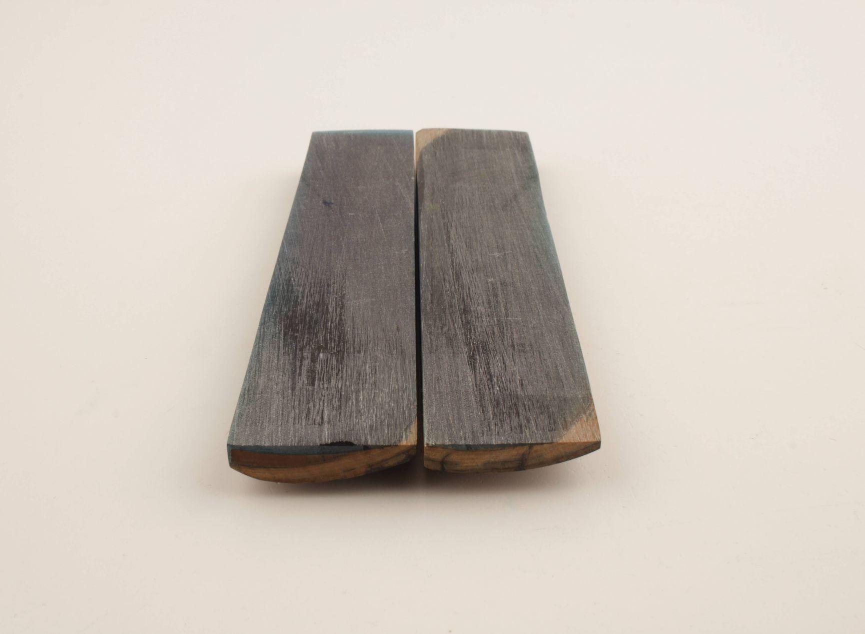 Stabilised mammoth bark scales